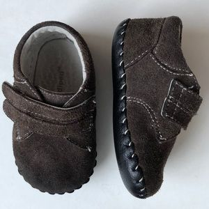 Pediped Ethan chocolate brown suede sz 6-12 months